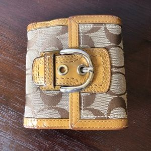 Coach buckle wallet beige canvas & leather